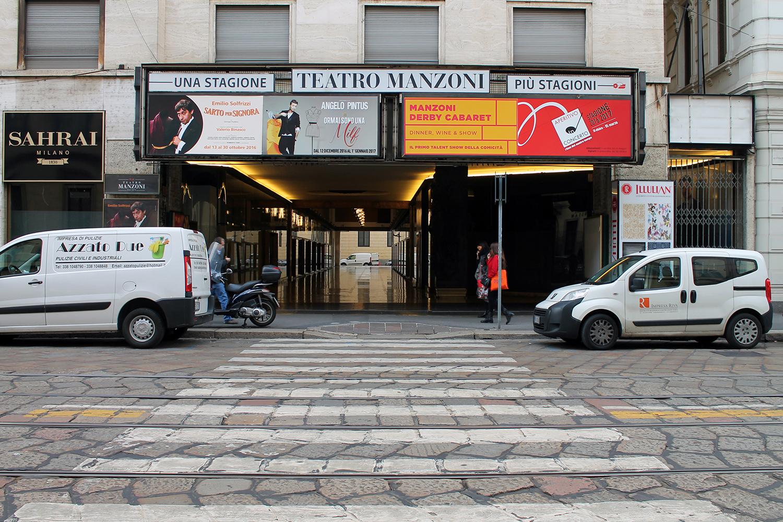 516ae0f3f9 ts32-consolo-realespace-galleria-manzoni-negozio-temporary-shop -